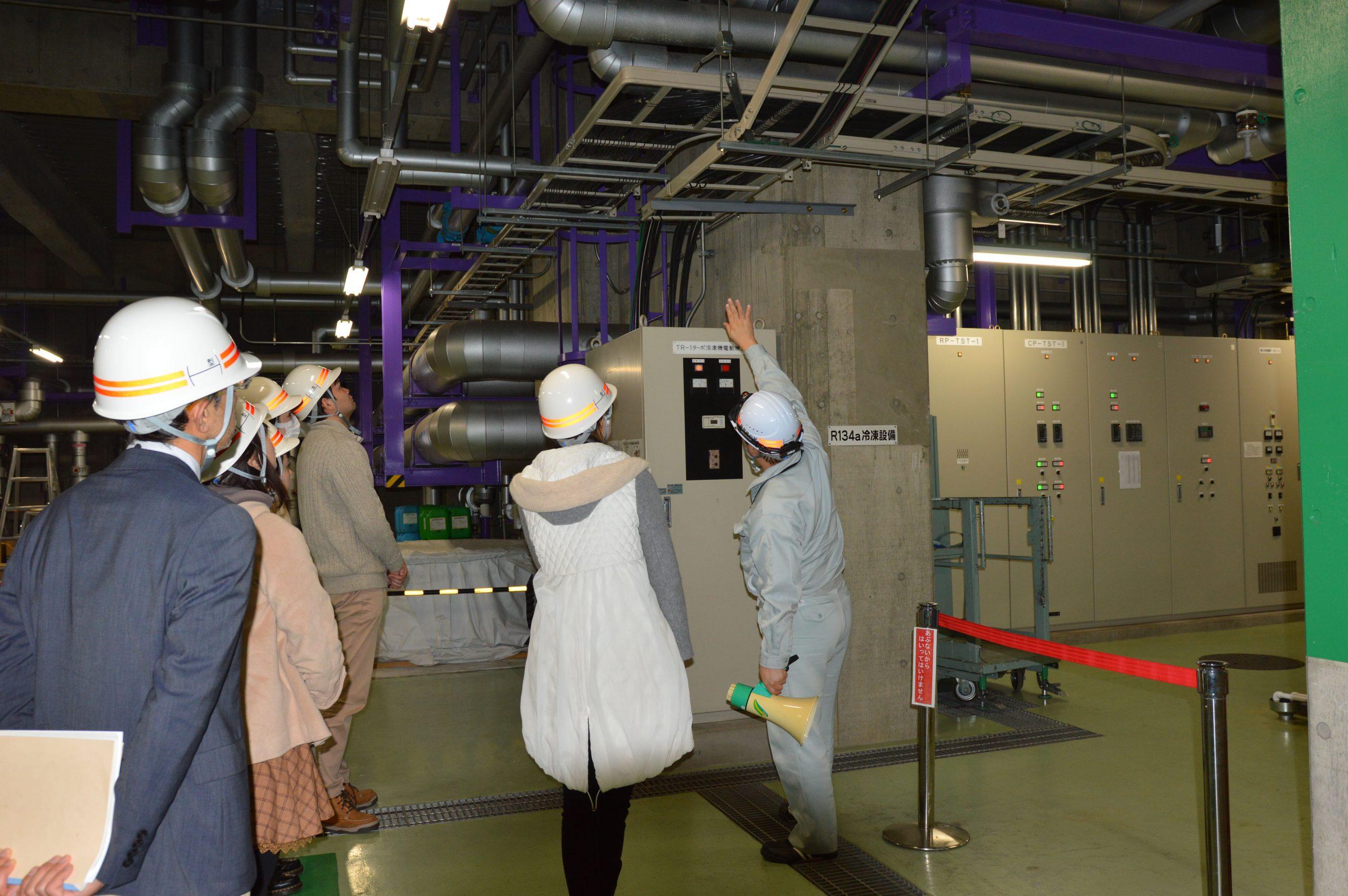 訪問先 :札幌駅地域熱供給プラント<br /> 関連科目:環境政策事例研究<br />      Environmental Policy