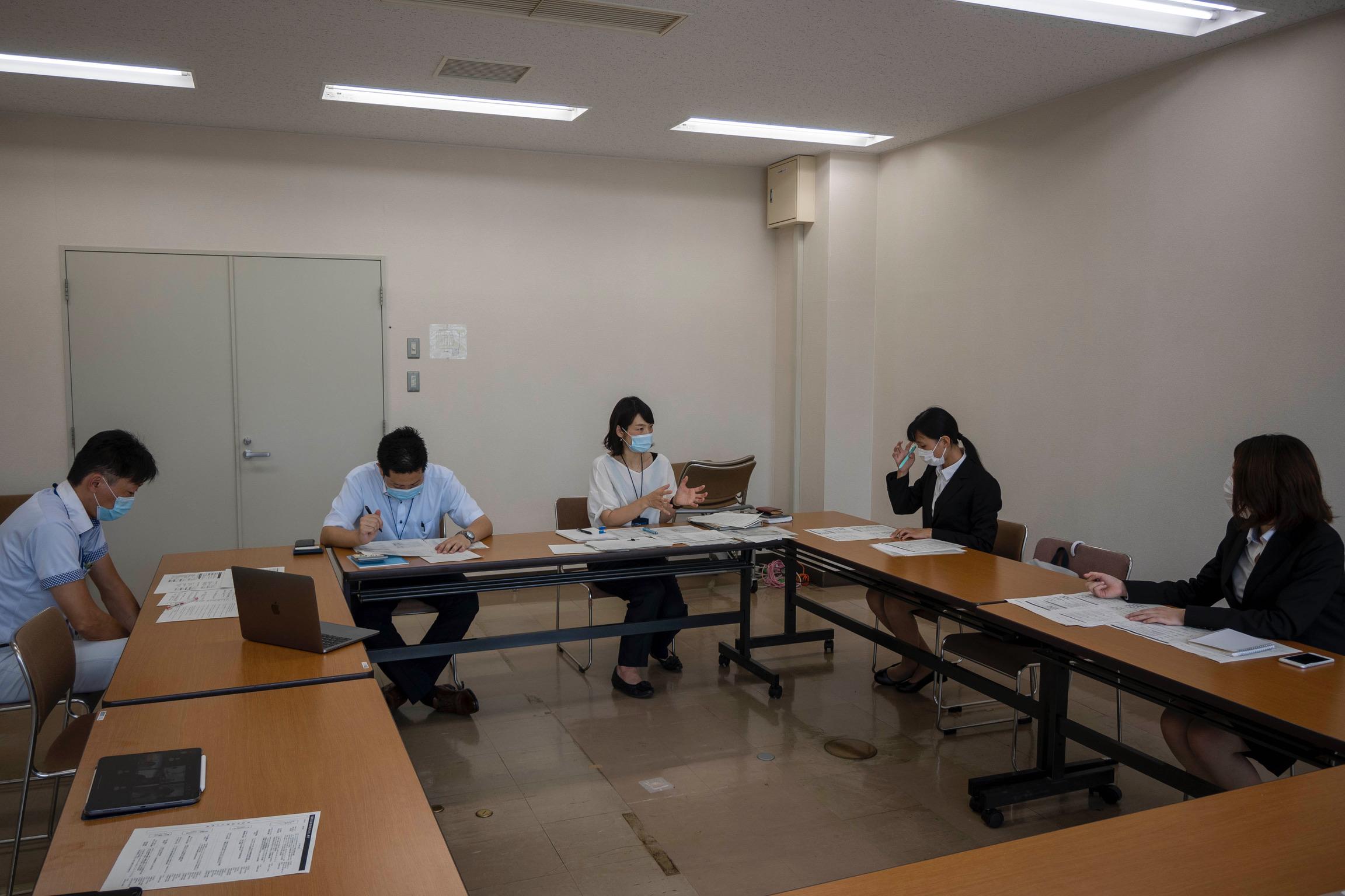 訪問先 :恵庭市役所<br /> 関連科目:社会調査法<br />      Research Methodology