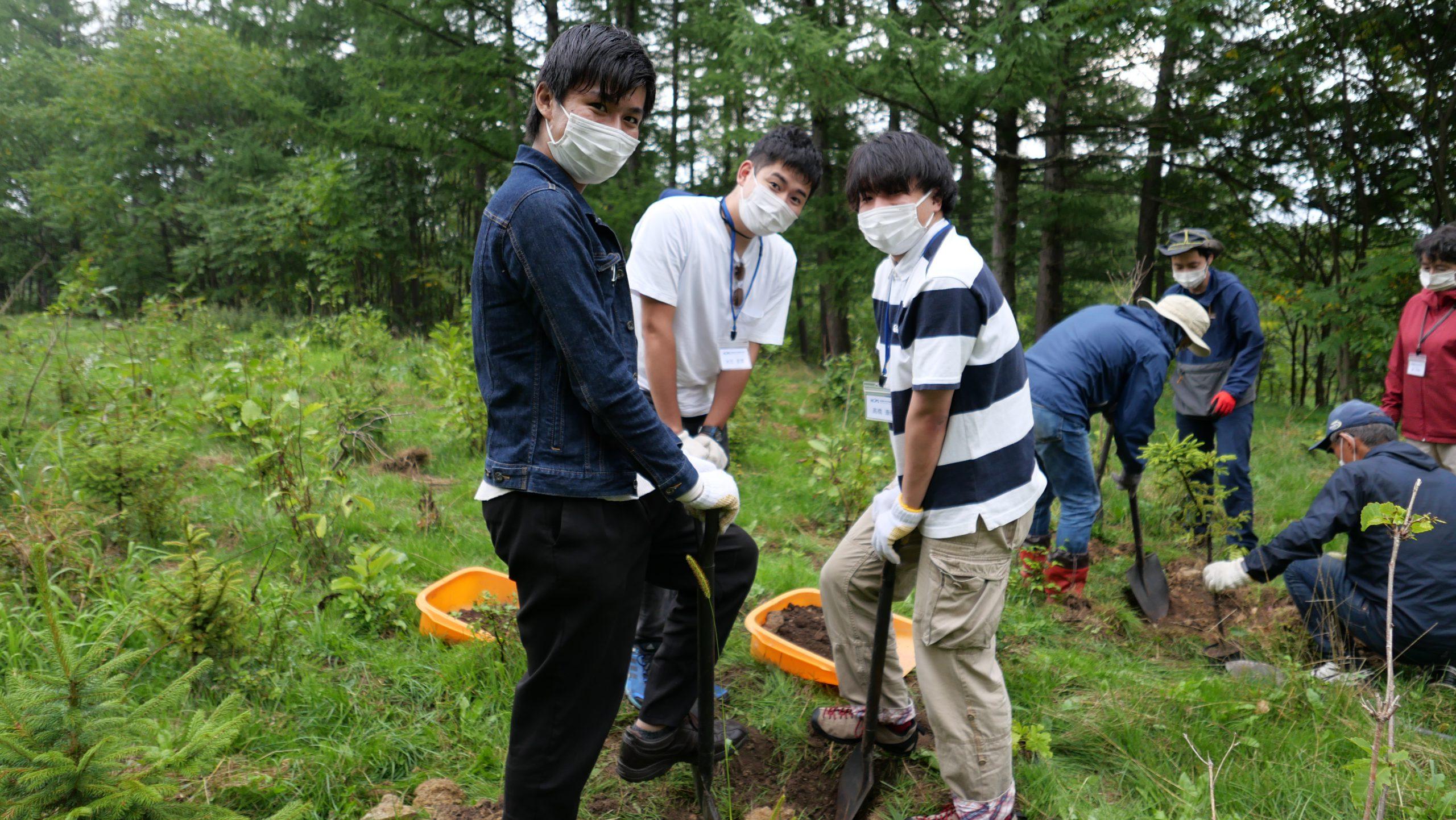 訪問先 :植樹体験<br /> 関連科目:公共経営特論Ⅱ<br />      Public Management